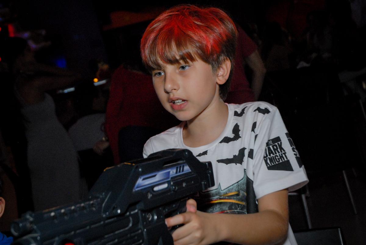 tiro ao alvo no Buffet Planeta Prime, Alphaville, São Paulo, aniversário de Rafael 10 anos, tema da festa The Flash