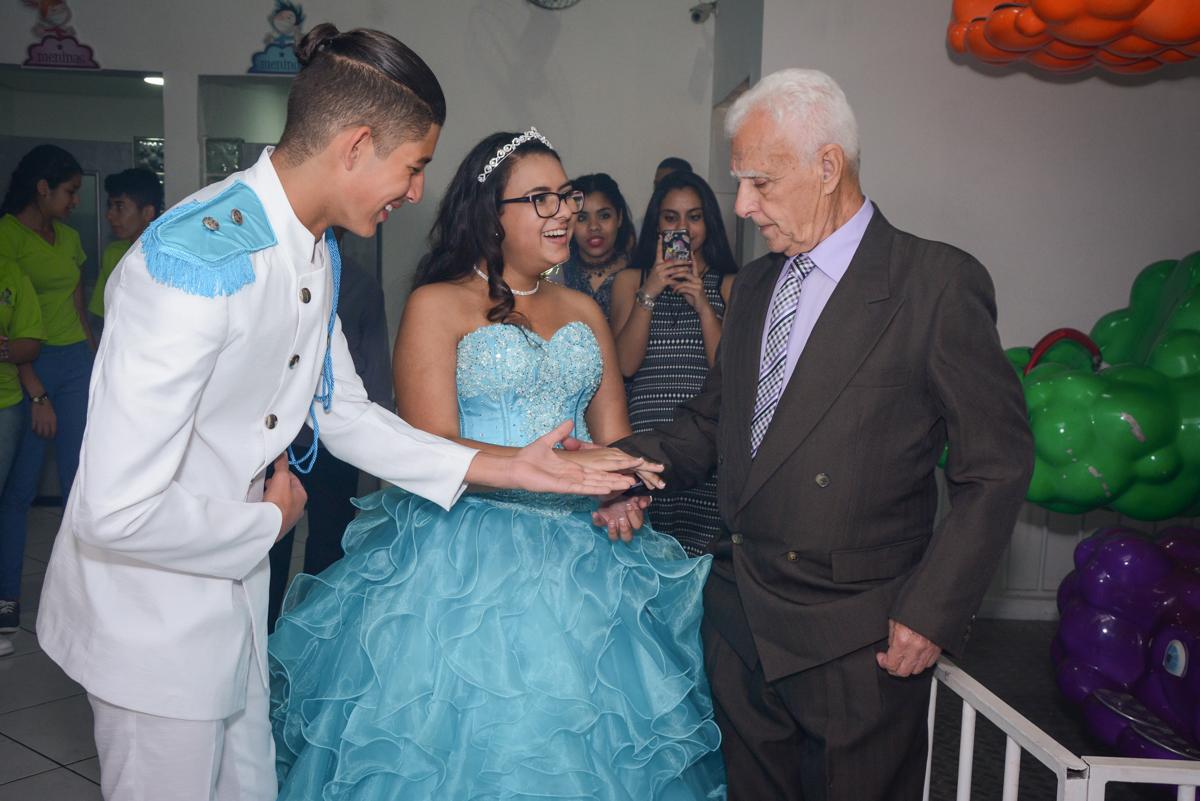 dança da valsa com o vovô no Buffet Zezé e Lelé, Butantã, São Paulo, SP, Anne Caroline 15 anos