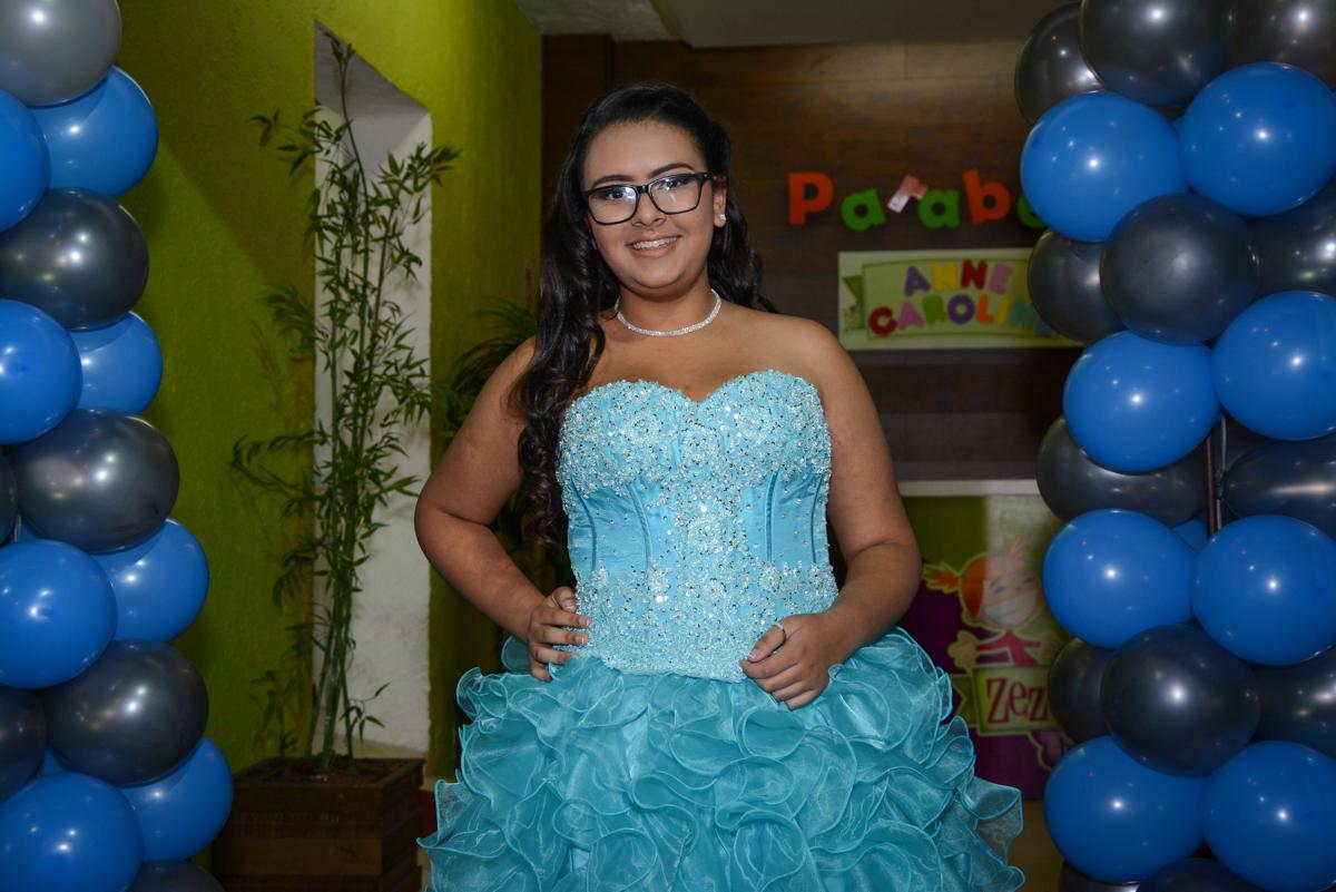 fotografia da aniversariante no Buffet Zezé e Lelé, Butantã, São Paulo, SP, Anne Caroline 15 anos