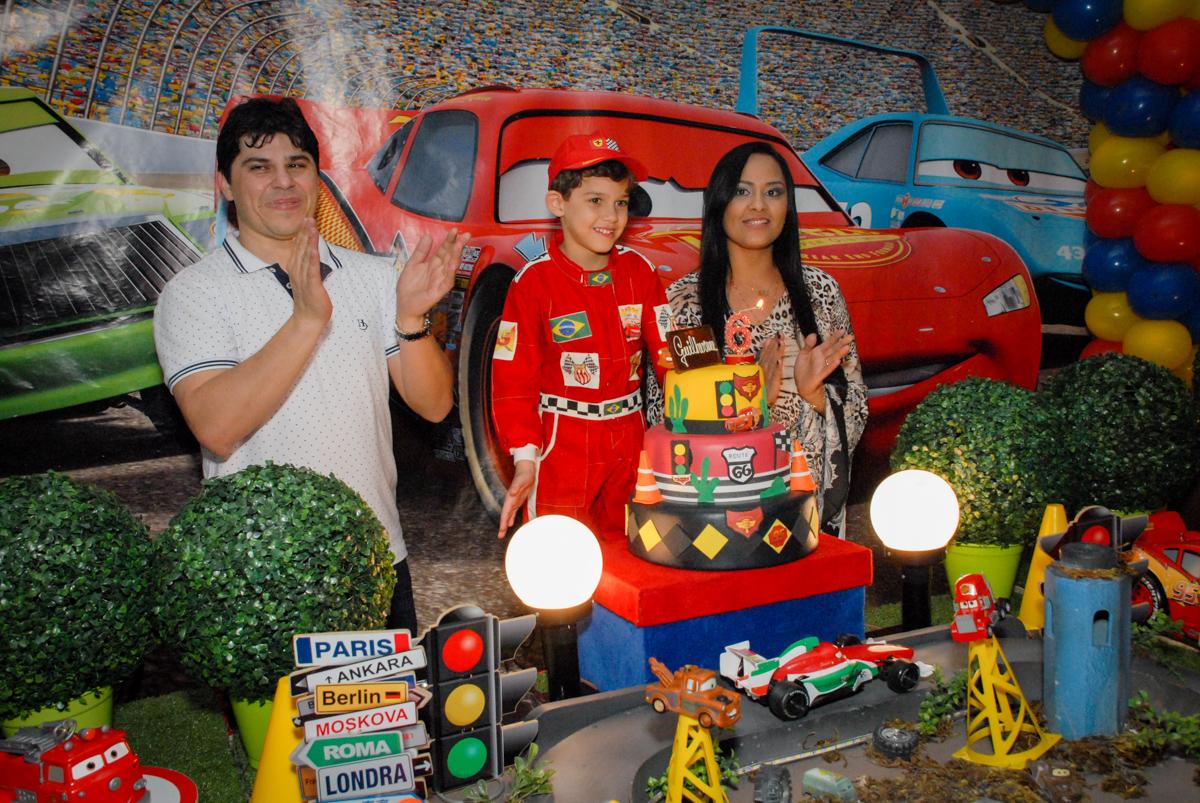 cantando parabéns no Buffet Fábrica da Alegria Morumbi, São Paulo, aniversario de Guilherme 6 anos, tema da festa carros