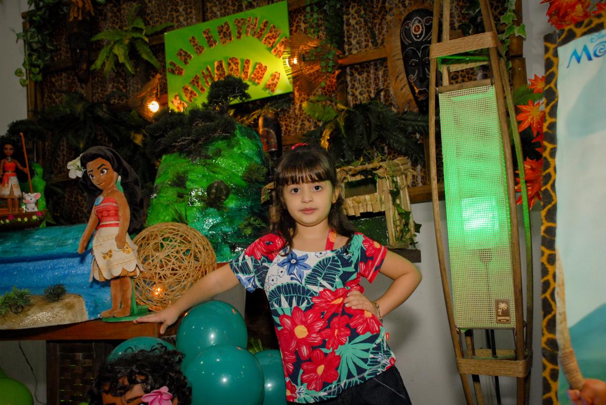 pose de princesa no Buffet Espaço Zumba , Saude, São Paulo, aniversário de Katharina 7 anos e Valenthina 5, tema da festa Moana