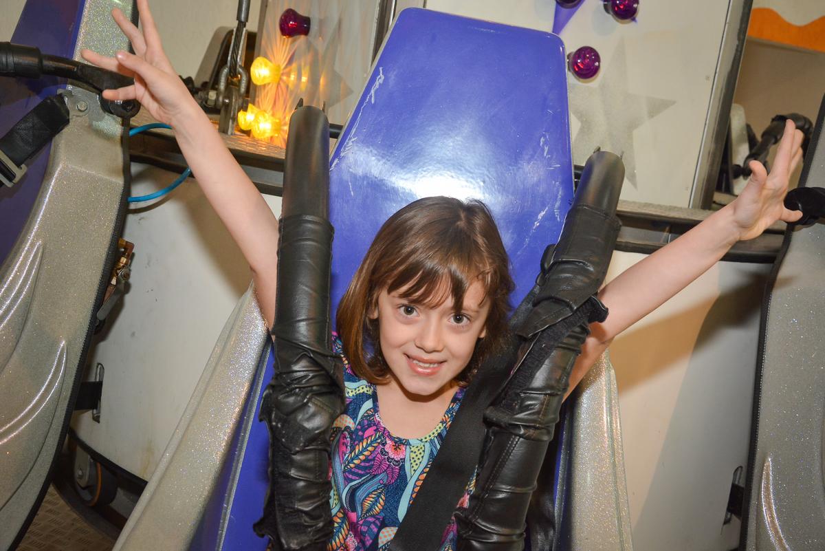 brincando no elevador no Buffet Salakaboom, Ipiranga, São Paulo, aniversário de Jonathan 7 anos, tema da festa Star Wars