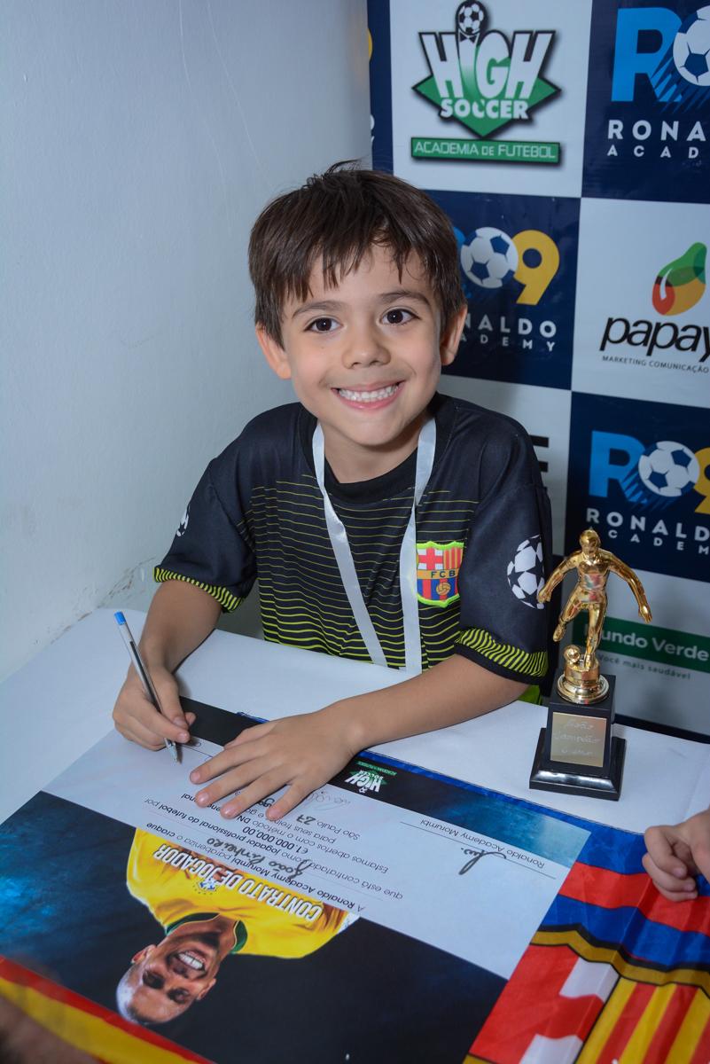 mais um contratado para o time no Buffet High Soccer, Morumbi, São Paulo aniversário de Rafael e João 6 anos tema da festa futebol