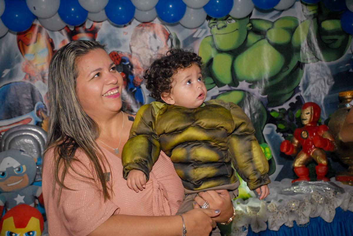 colinho da mamãe no Buffet Galeria da Arte, Vila Maria, São Paulo, aniversário de Lorenzo 4 e Lucca 1 aninho tema da festa super herois