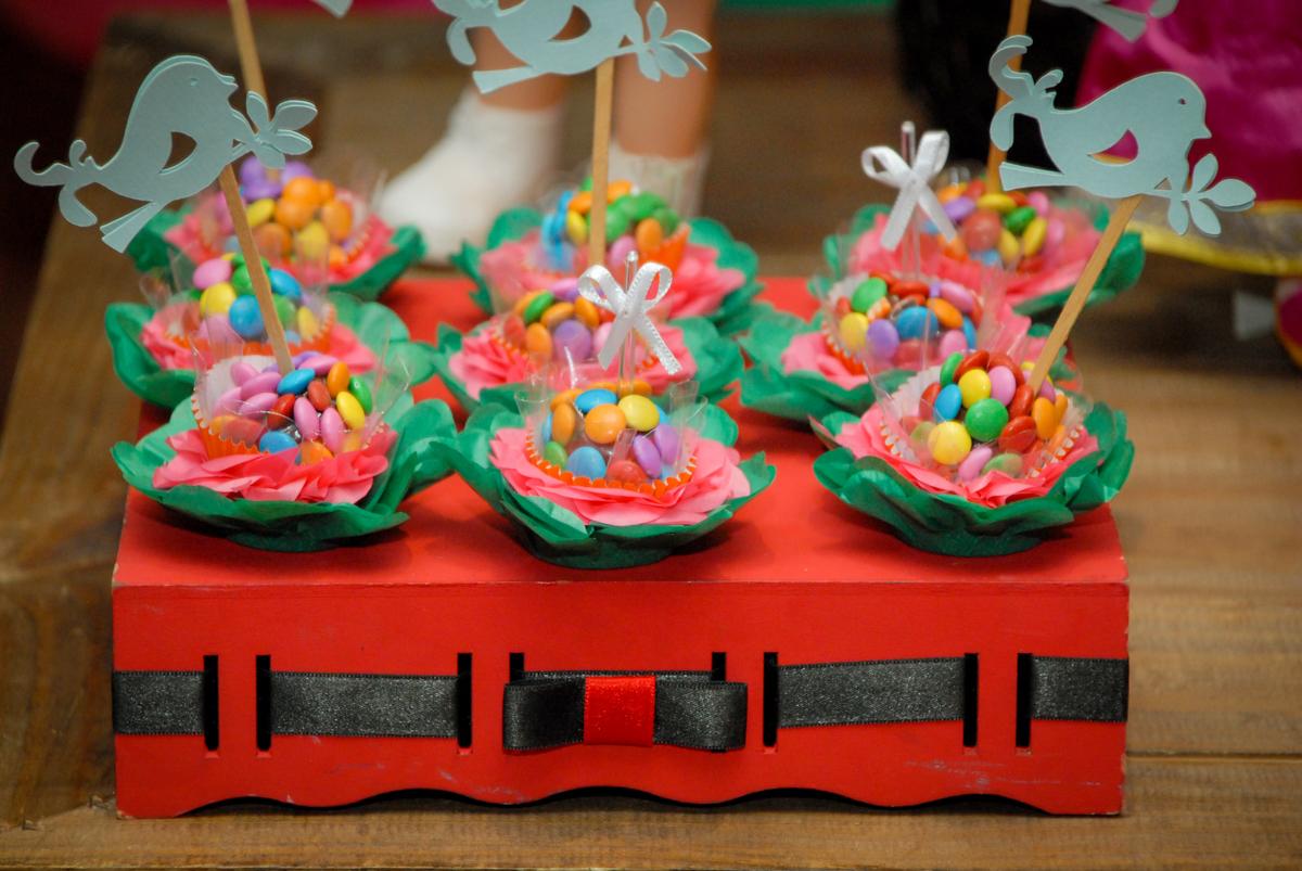 doces gourmet no buffet villa 18 alphaville, sao paulo, aniversario de valentina 4 anos tema da festa masha e o urso