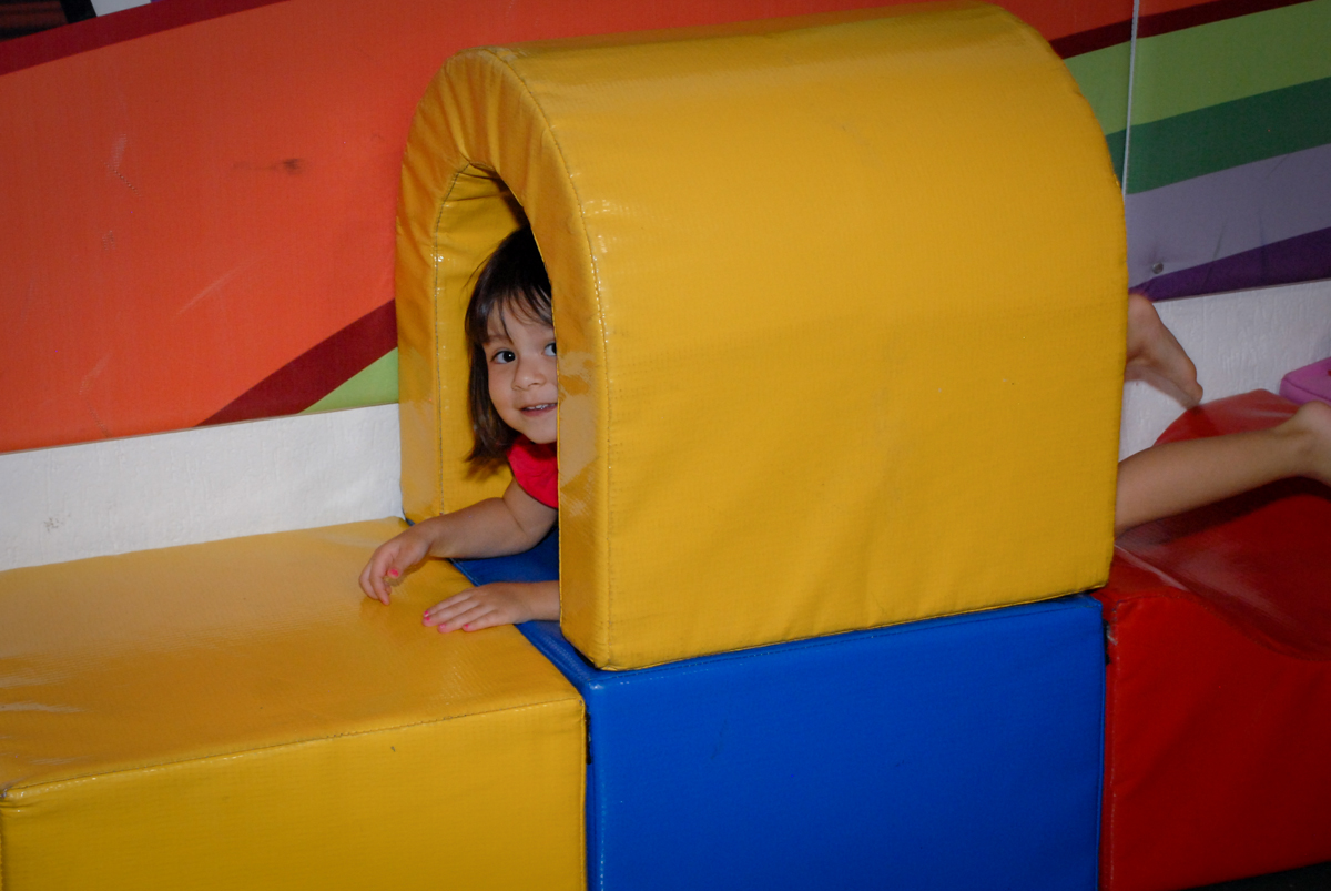 mais diversão na área baby no Buffet Fábrica da Alegria, Osasco São Paulo aniversário de Rafaela 5 anos, tema da festa Moana