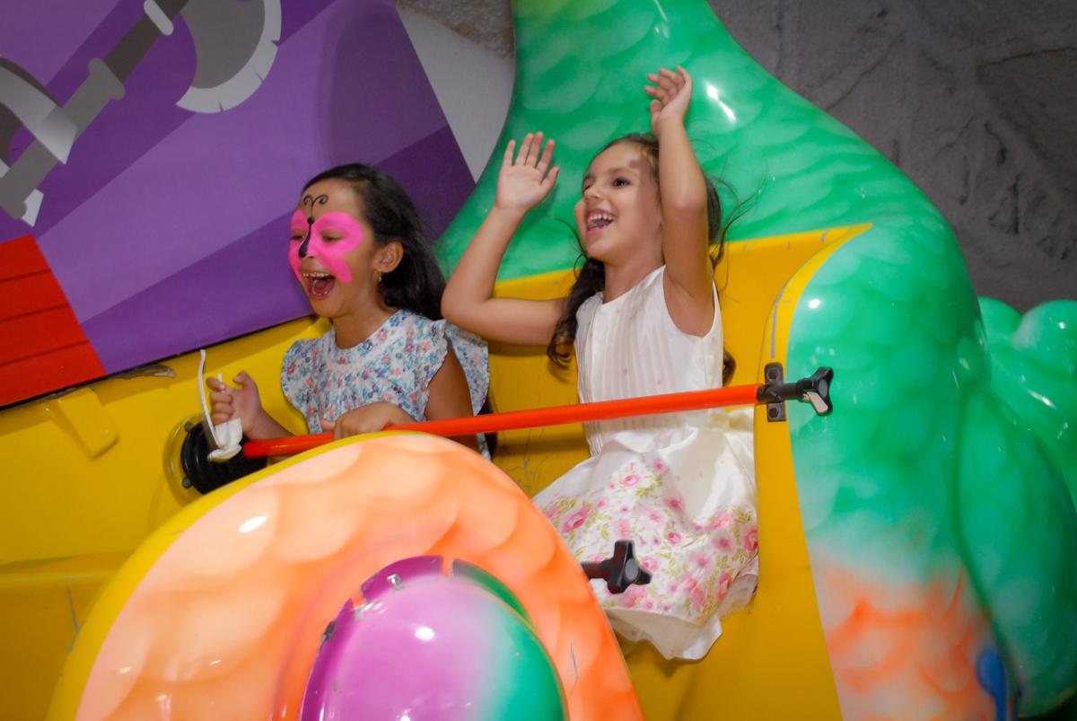 barco vick vai as alturas no Buffet Fábrica da Alegria, Osasco São Paulo aniversário de Rafaela 5 anos, tema da festa Moana