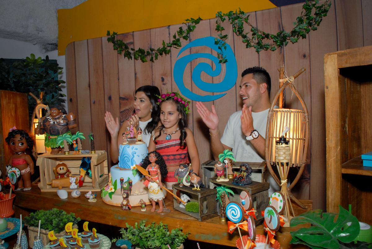 parabéns animado no Buffet Fábrica da Alegria, Osasco São Paulo aniversário de Rafaela 5 anos, tema da festa Moana