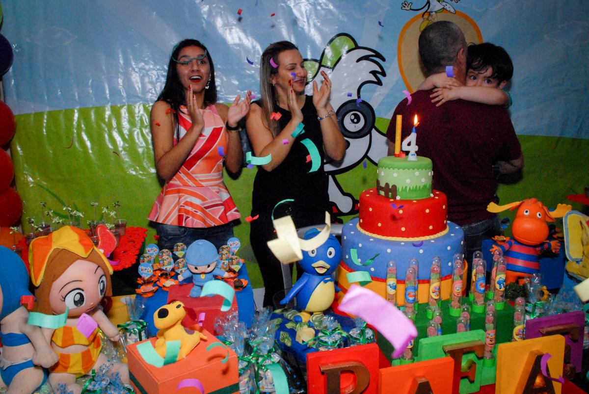todos cantam parabéns no condominio vila prudente, aniversario de rafael 4 anos, tema da festa discvery kids