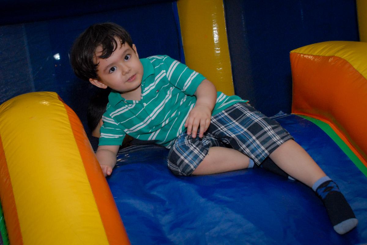 final da festa no condominio vila prudente, aniversario de rafael 4 anos, tema da festa discvery kids