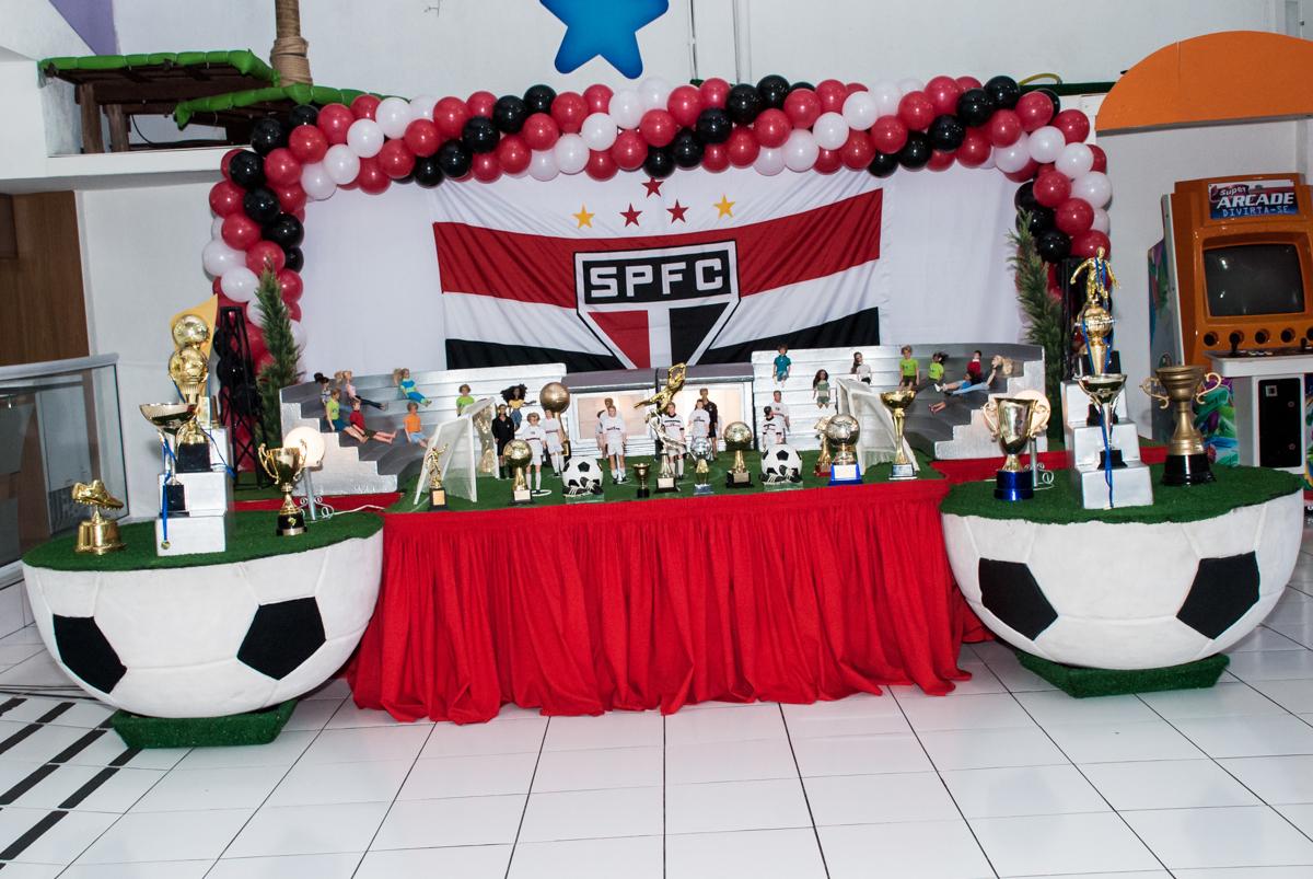 mesa temática no Buffet Magic Joy, Saude, São Paulo, aniversário de Isaque 8 anos, tem da festa São Paulo Futebol Clube