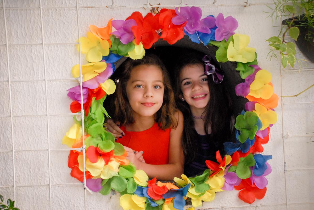fotografia com moldura no Buffet Tragaluz, aniversário de Pietra 4 anos, tema da festa amor