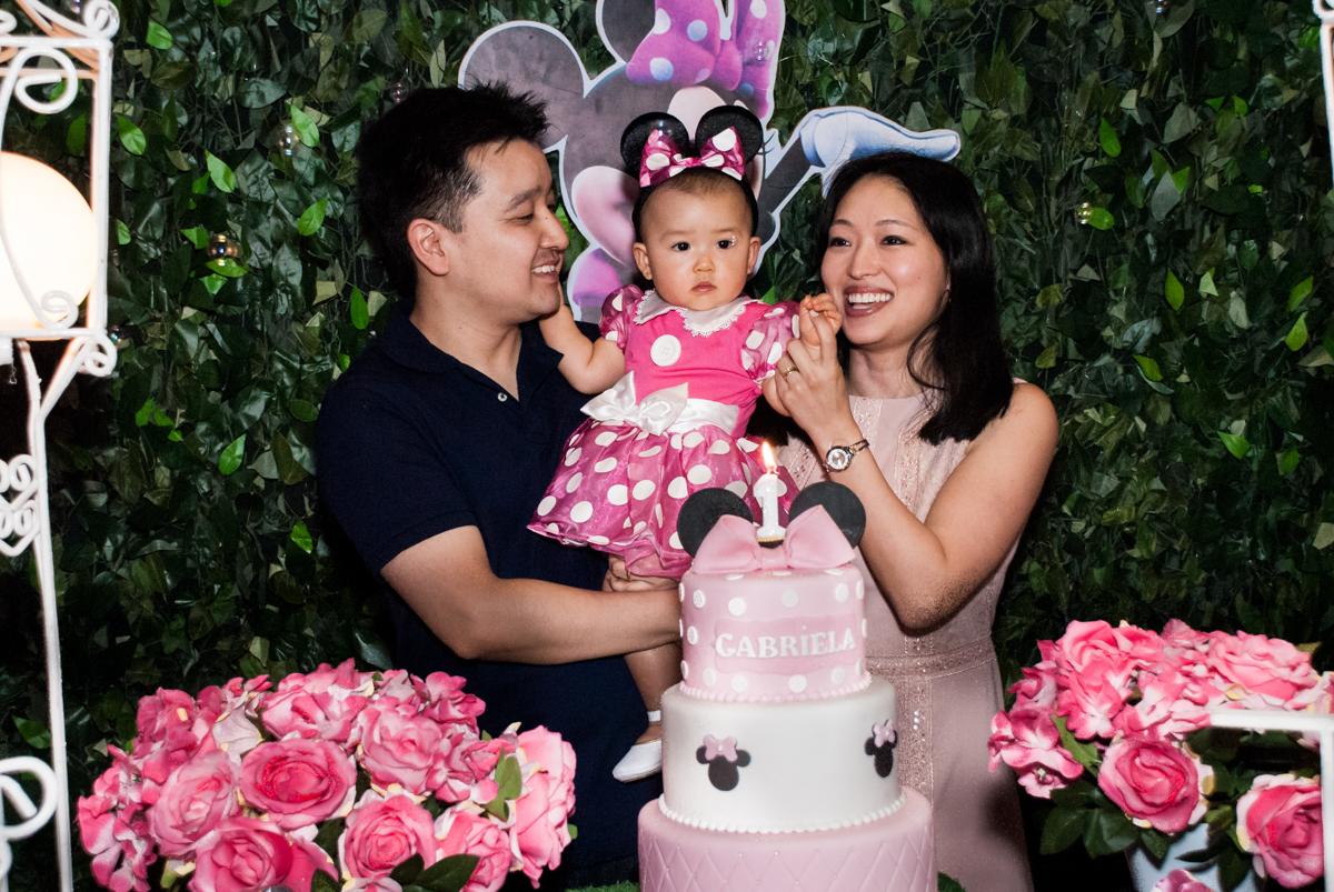 hora do parabéns no Buffet Magic Joy, Saude São Paulo, aniversário de Gabriela 1 ano, tema da festa minie rosa