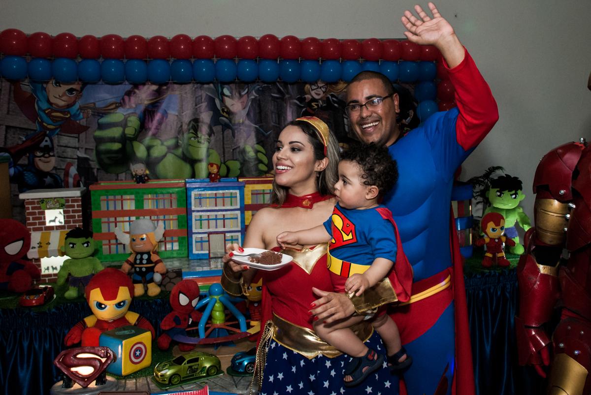 final de festa no buffet Zezé e Lelé, aniversário de Otávio 1 ano, tema da festa heróis baby