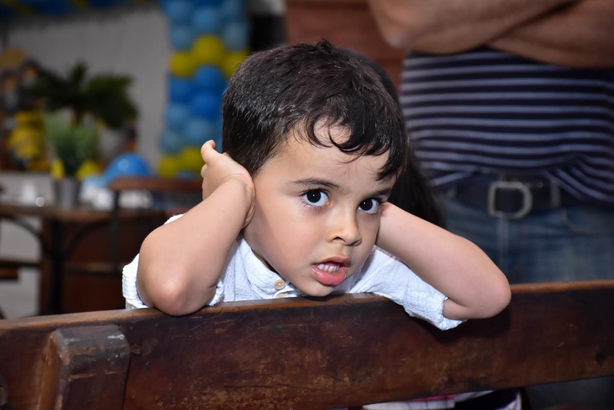 aguardando para brincar no aqua play no Buffet Fábrica da Alegria, Osasco, São Paulo, tema da festa, meu malvado favorito