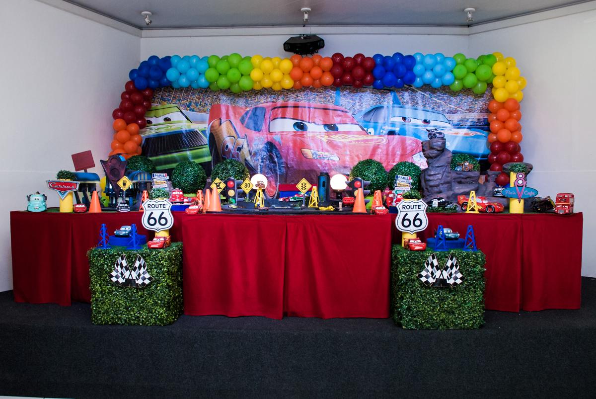 mesa decorada no Buffet Balakatoon, saude, são Paulo, aniversário de João Gabriel 5 anos, tema da festa carros