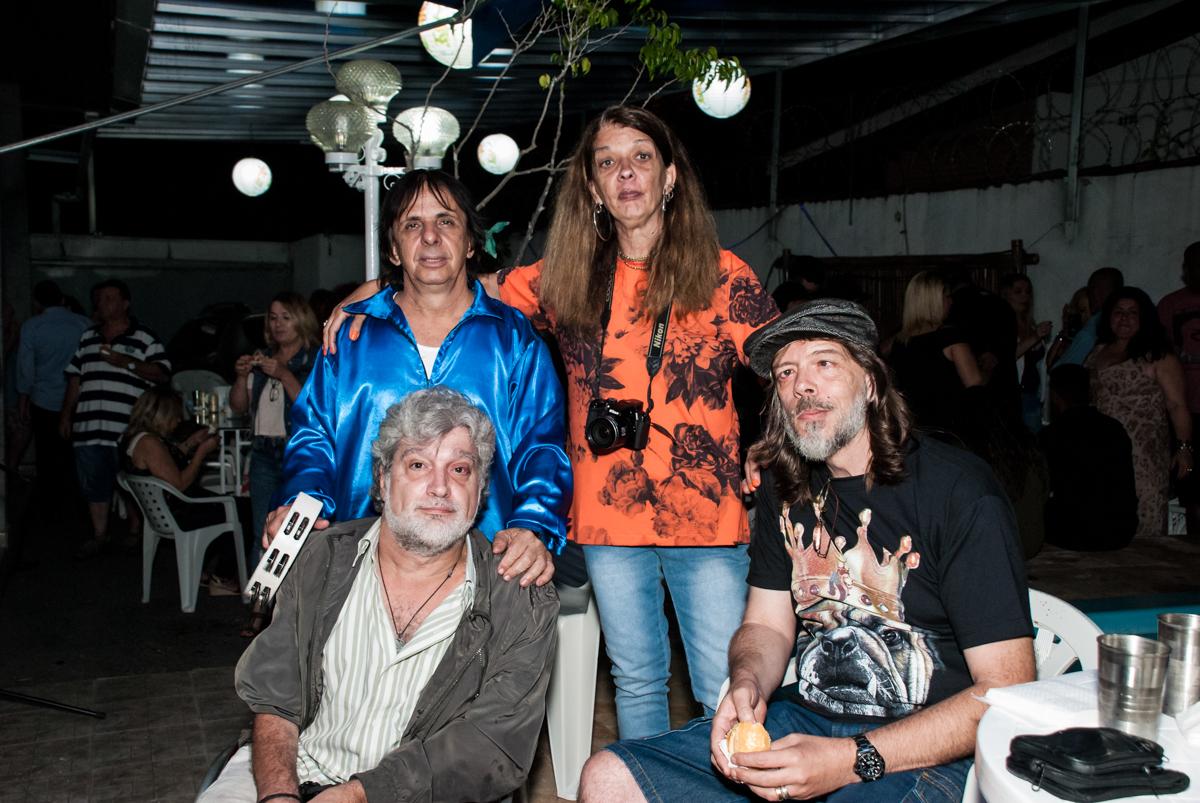amigos na festa no aniversário de Helena 40 e Wanderley 67 anos, festa realizada no condomínio, Morumbi, São Paulo