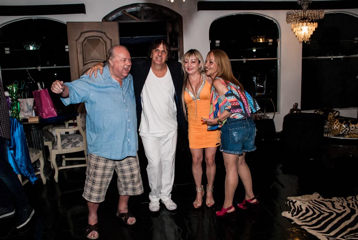 fotografias dos convidados no aniversário de Helena 40 e Wanderley 67 anos, festa realizada no condomínio, Morumbi, São Paulo