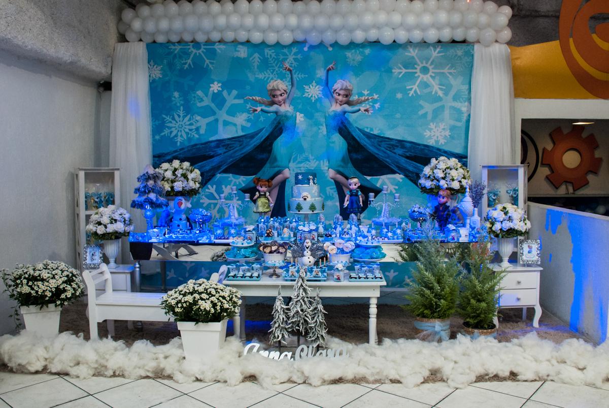 mesa decorada no Buffet Fábrica da Alegria, Osasco, São Paulo, aniversário de anna clara, 3 anos, tema da festa Frozen