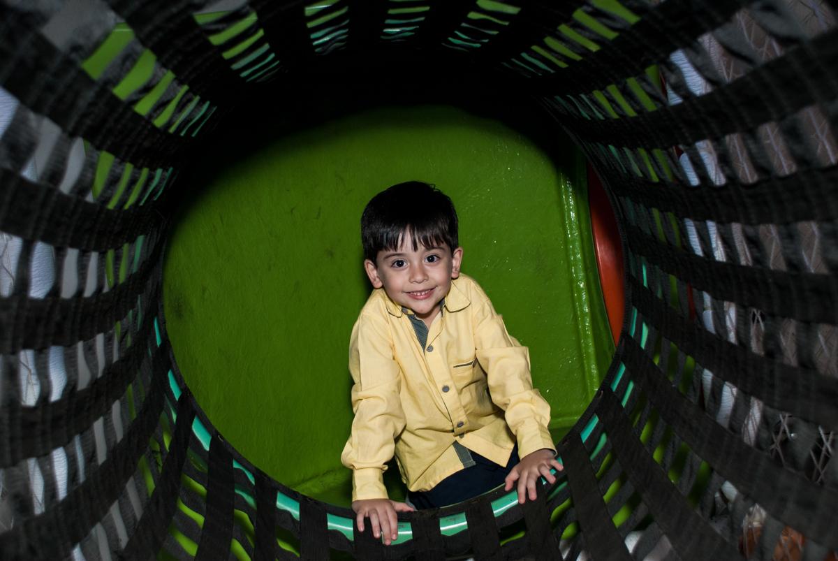 brinquedão divertido no Buffet Fábrica da Alegria, Osasco,São Paulo, aniversário de Vitor 10 anos, tema da festa Patrulha Canina