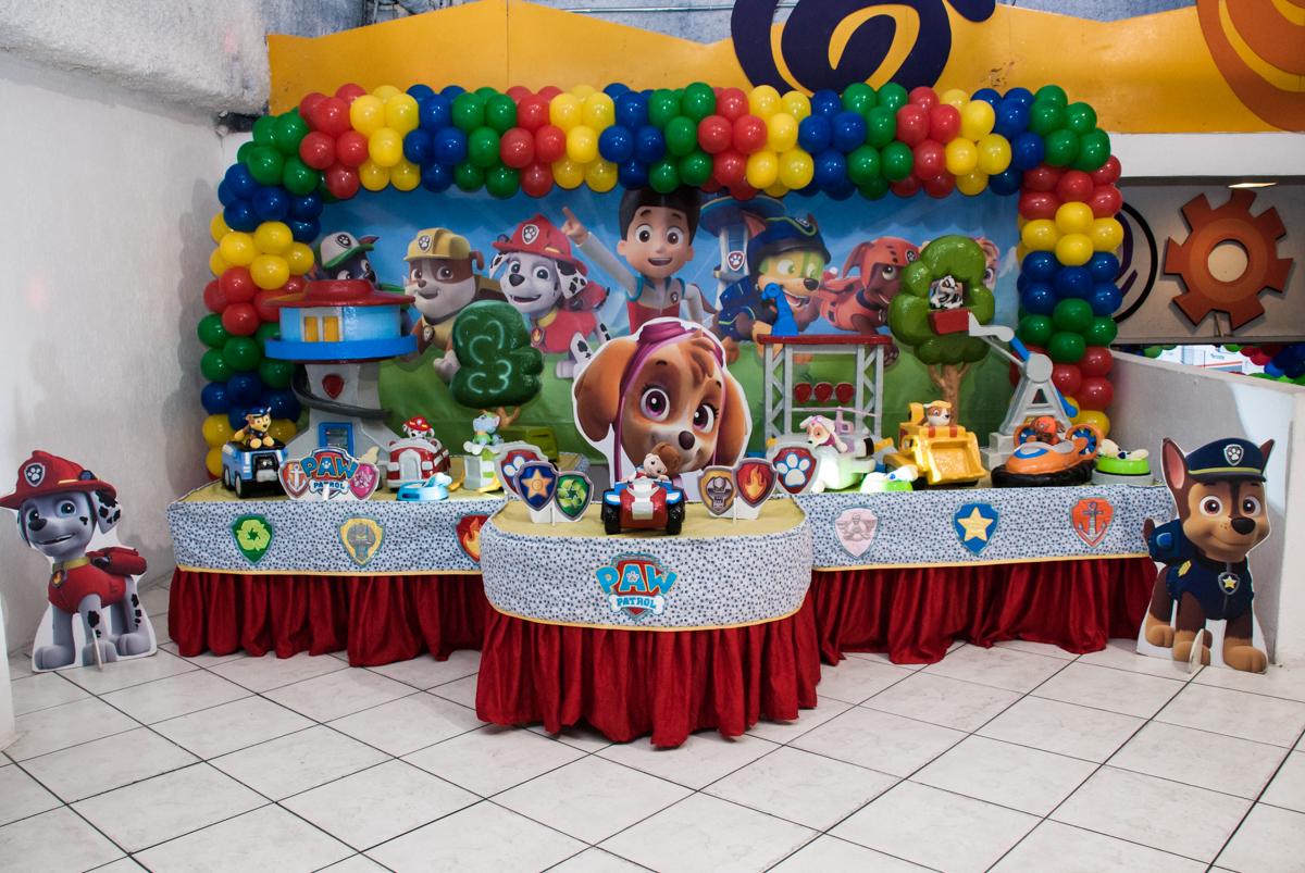 mesa temática Buffet Fábrica da Alegria, Osasco,São Paulo, aniversário de Vitor 10 anos, tema da festa Patrulha Canina