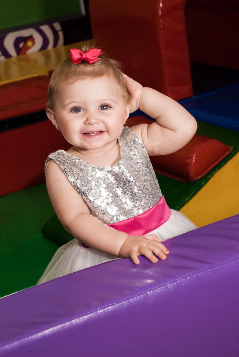 área baby divertida no Buffet Fábrica da Alegria, Morumbi, São Paulo, aniversário de Isabella 1 ano, tema da festa Princesas Baby
