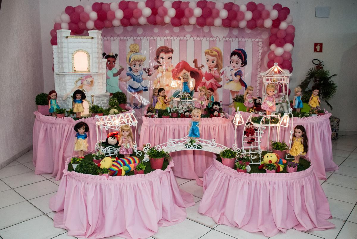 mesa temática no Buffet Fábrica da Alegria, Morumbi, São Paulo, aniversário de Isabella 1 ano, tema da festa Princesas Baby