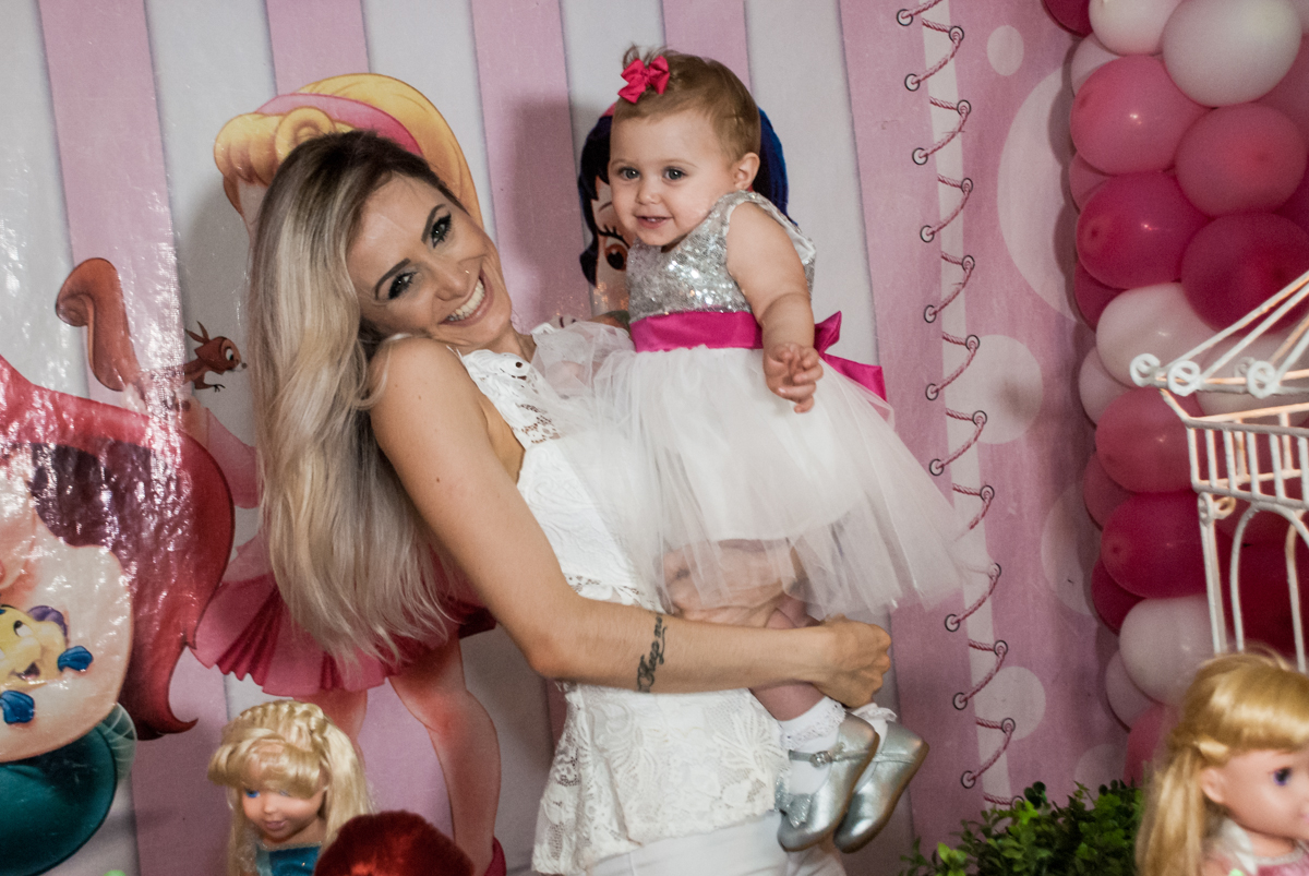 sharminho para a foto no Buffet Fábrica da Alegria, Morumbi, São Paulo, aniversário de Isabella 1 ano, tema da festa Princesas Baby