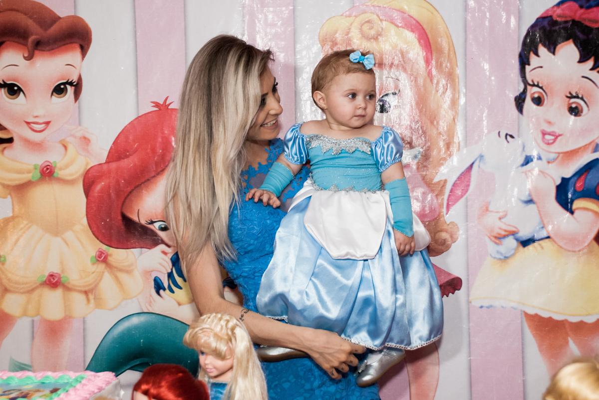 Parabéns no Buffet Fábrica da Alegria, Morumbi, São Paulo, aniversário de Isabella 1 ano, tema da festa Princesas Baby
