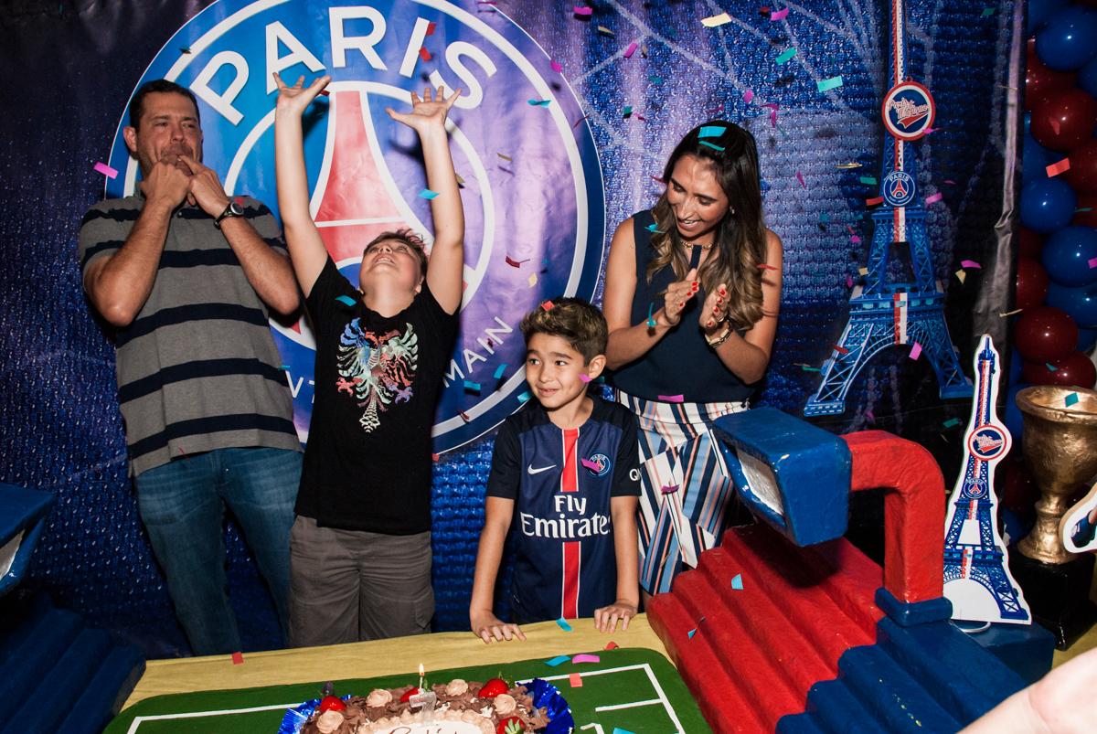 parabéns animado no Buffet Salakaboom aniversário de Gabrile 7 anos, tema da festa Paris San German