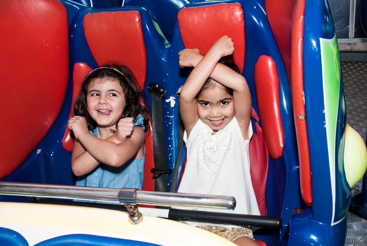 curtindo o jornada nas estrelas no Buffet Fábrica da Alegria, Morumbi, São Paulo, aniversário de Isabela 6 anos, tema da festa Elena de Avalor