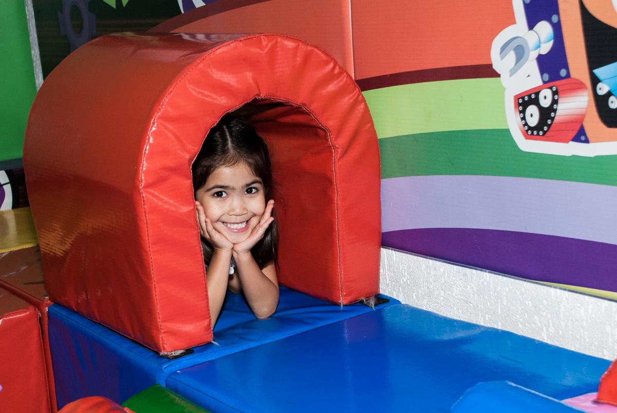 diversão na área baby no Buffet Fábrica da Alegria, Morumbi, São Paulo, aniversário de Isabela 6 anos, tema da festa Elena de Avalor
