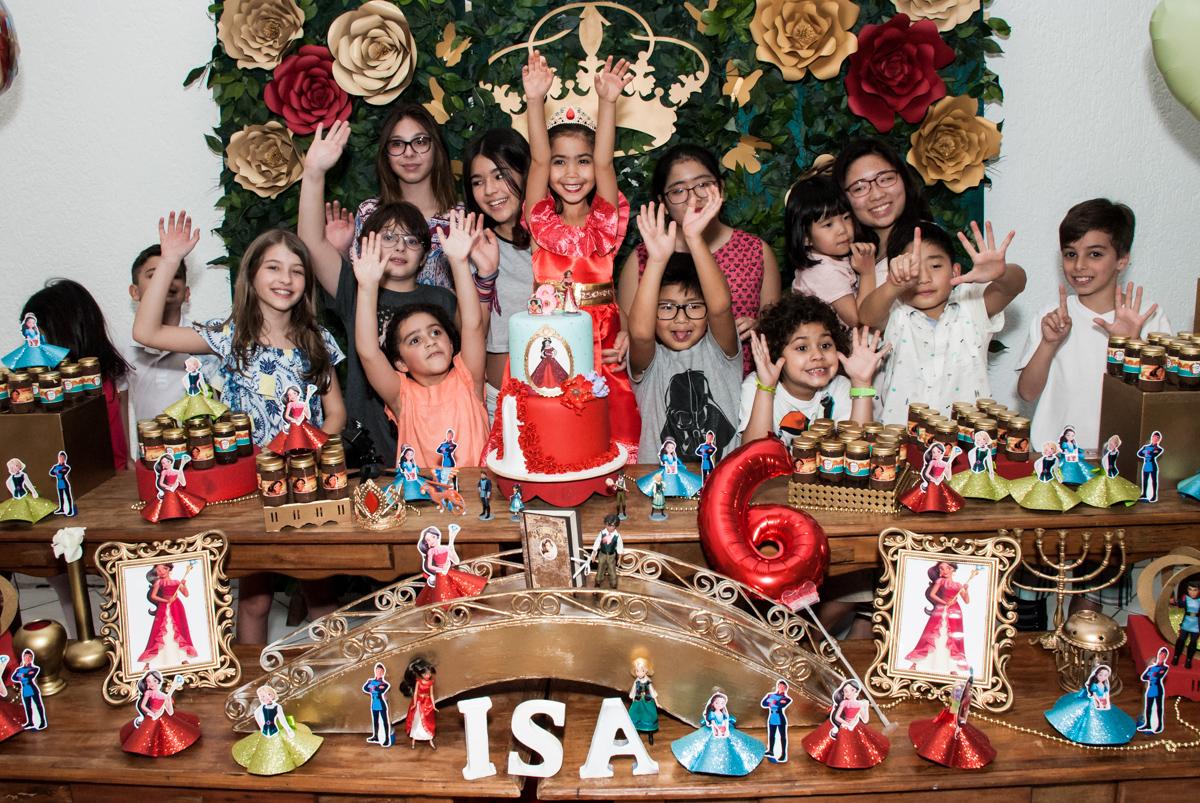 fotografias com os amigos reunidos no Buffet Fábrica da Alegria, Morumbi, São Paulo, aniversário de Isabela 6 anos, tema da festa Elena de Avalor