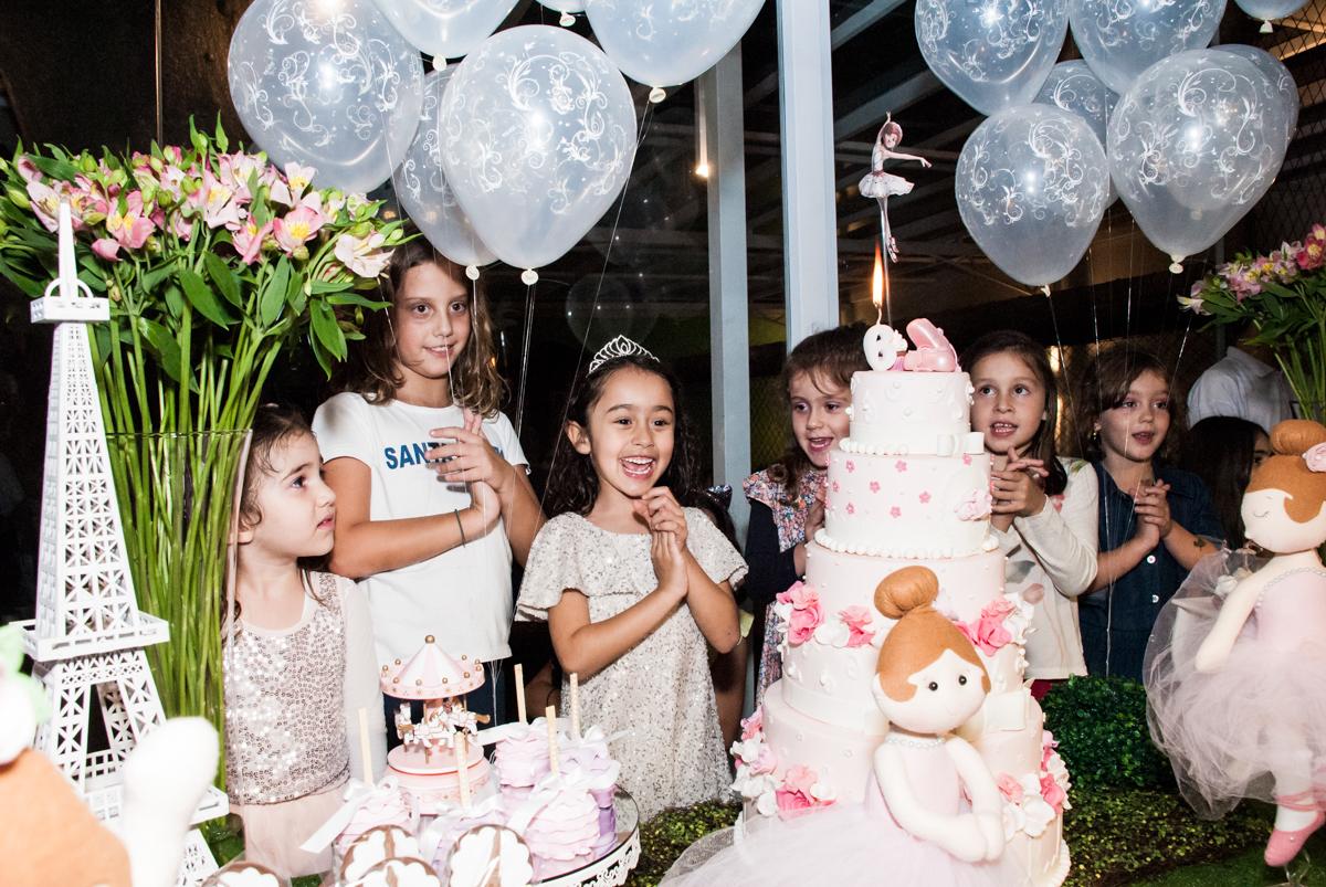 hora do parabéns no Buffet Espaço Viva, Alto de Pinheiros, São Paulo, aniversário de Marina6 anos, tema da festa Bailarina
