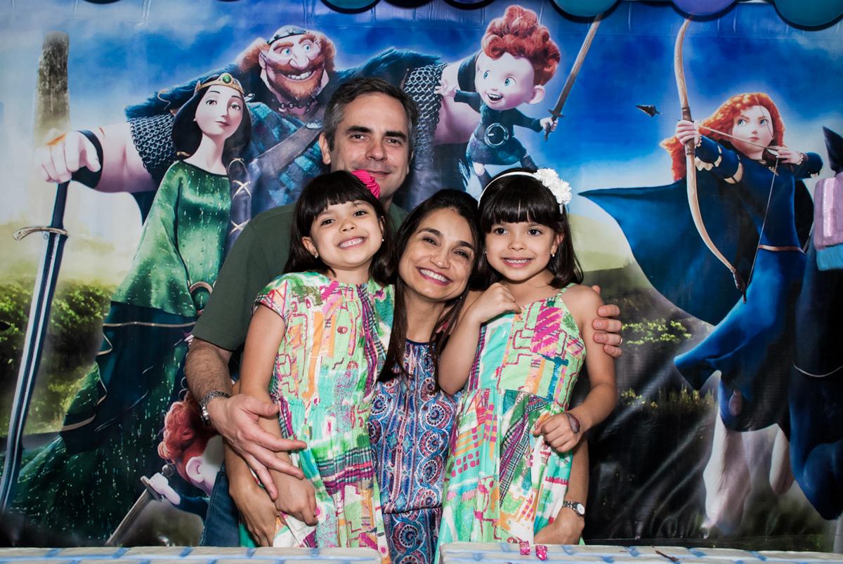 final da festa no Buffet Magic Joy, Saúde, São Paulo, aniversário de Beatriz e Marina, tema da festa Valente