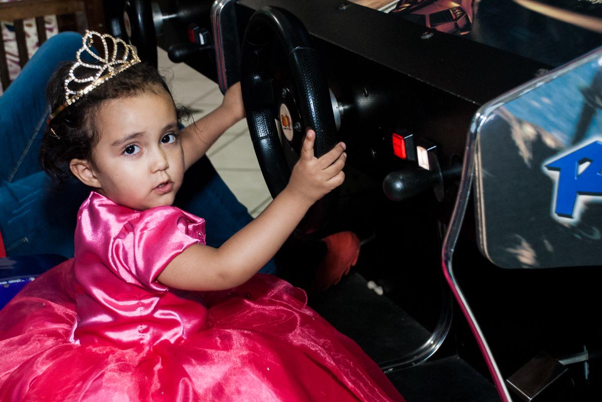 final da festa no Buffet Fábrica da Alegria, Osasco, São Paulo, aniversário de Heloise 3 anos, tema da festa princesas baby