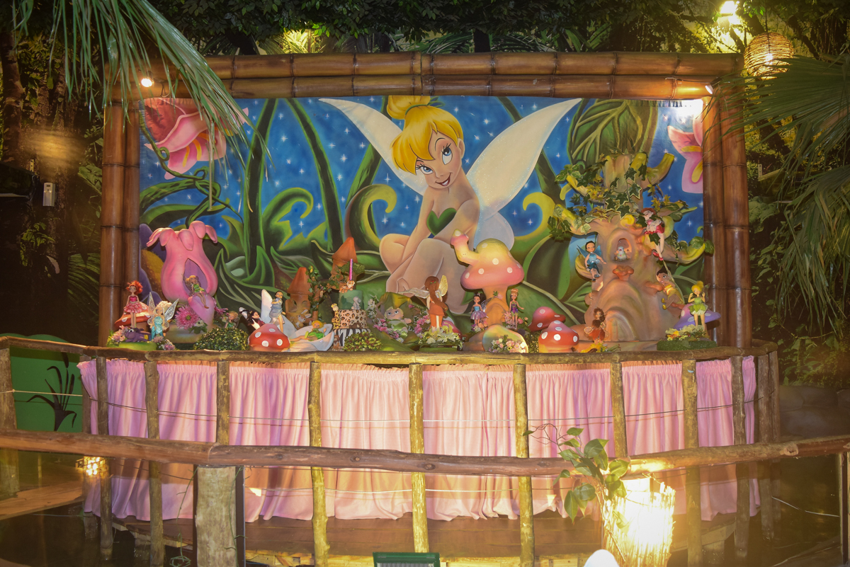mesa temática no Buffet Cumbaya, Tatuapé, São Paulo, aniversário de Gabriela 3 anos tema da festa fadas