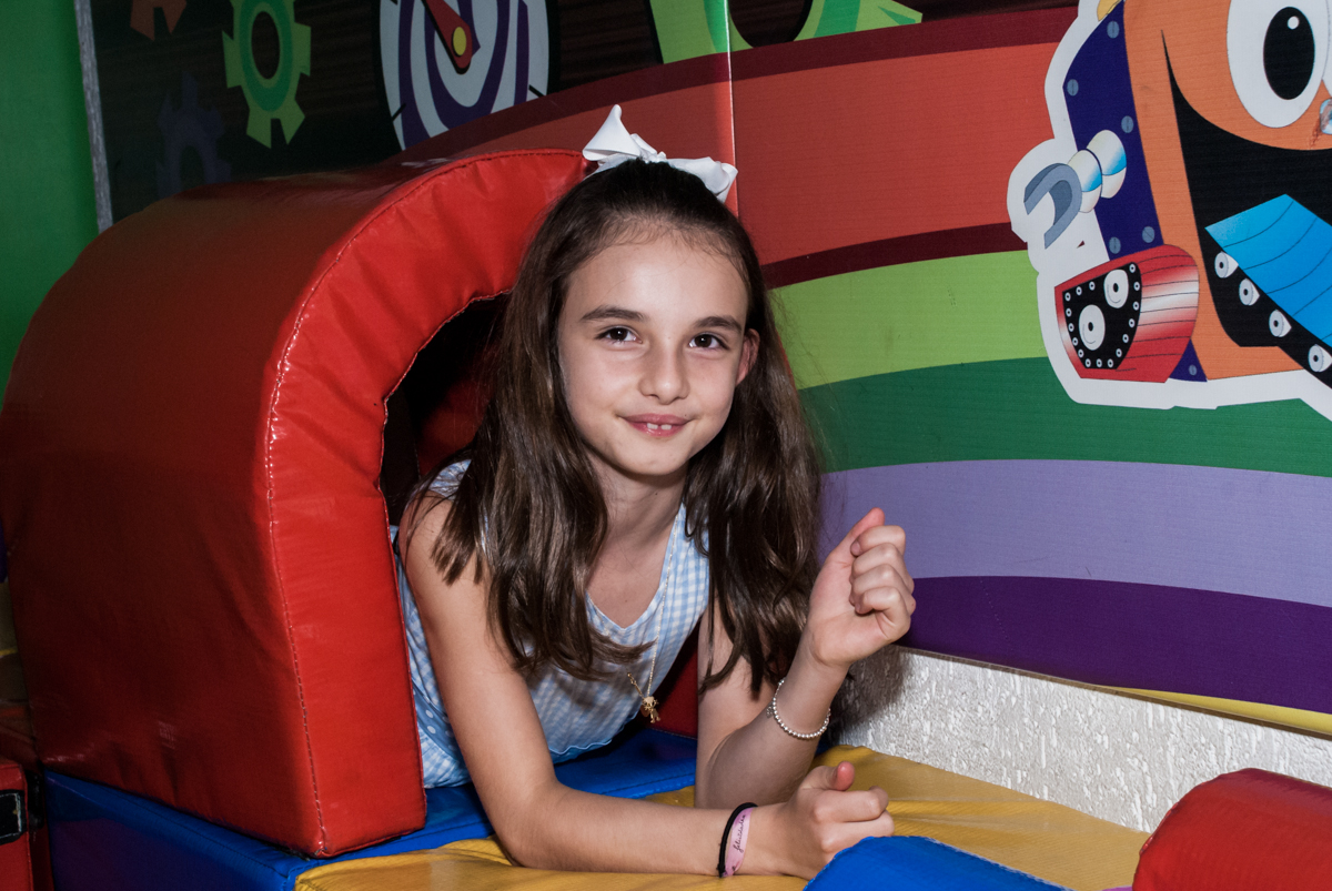 a irmã também curte o túnel no Buffet Fábrica da Alegria Morumbi, São Paulo, aniversário de Isabela 4 anos, tema da festa Patrulha Canina