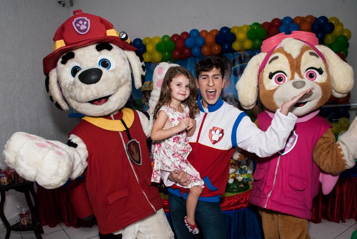 hora do show no Buffet Fábrica da Alegria Morumbi, São Paulo, aniversário de Isabela 4 anos, tema da festa Patrulha Canina