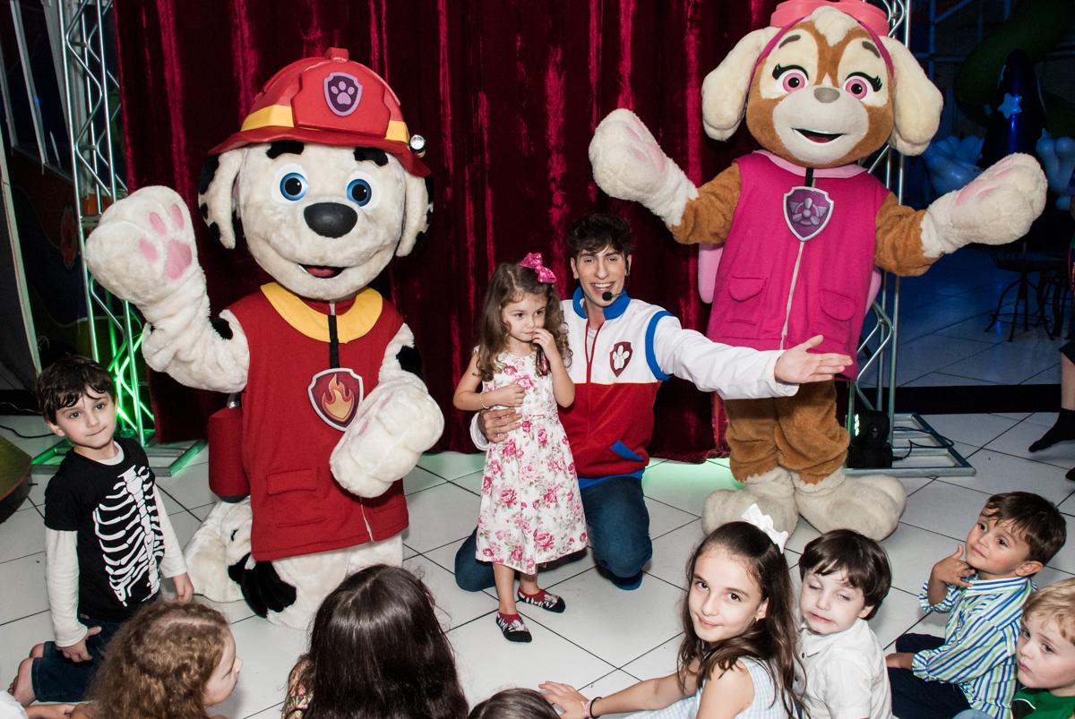 o show começou no Buffet Fábrica da Alegria Morumbi, São Paulo, aniversário de Isabela 4 anos, tema da festa Patrulha Canina