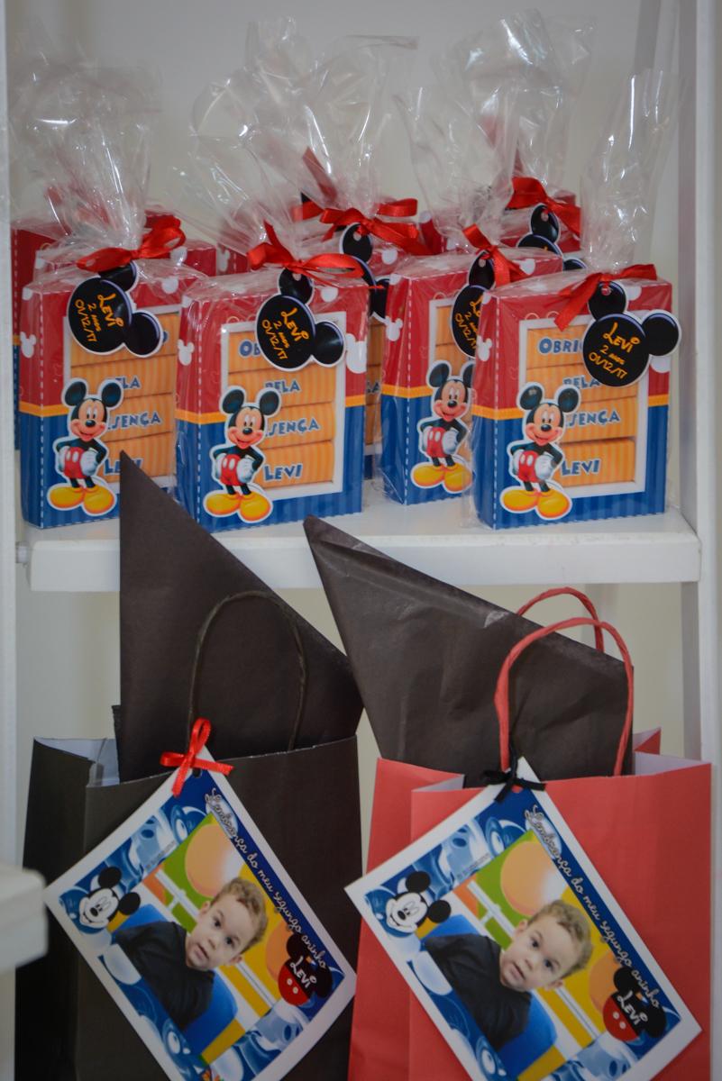 lembrança da festa no Buffet Espaço Play, Osasco, São Paulo, aniversário Levi 2 anos, tema da festa Mickey