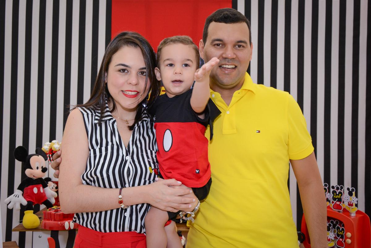 fotografia da familia no Buffet Espaço Play, Osasco, São Paulo, aniversário Levi 2 anos, tema da festa Mickey