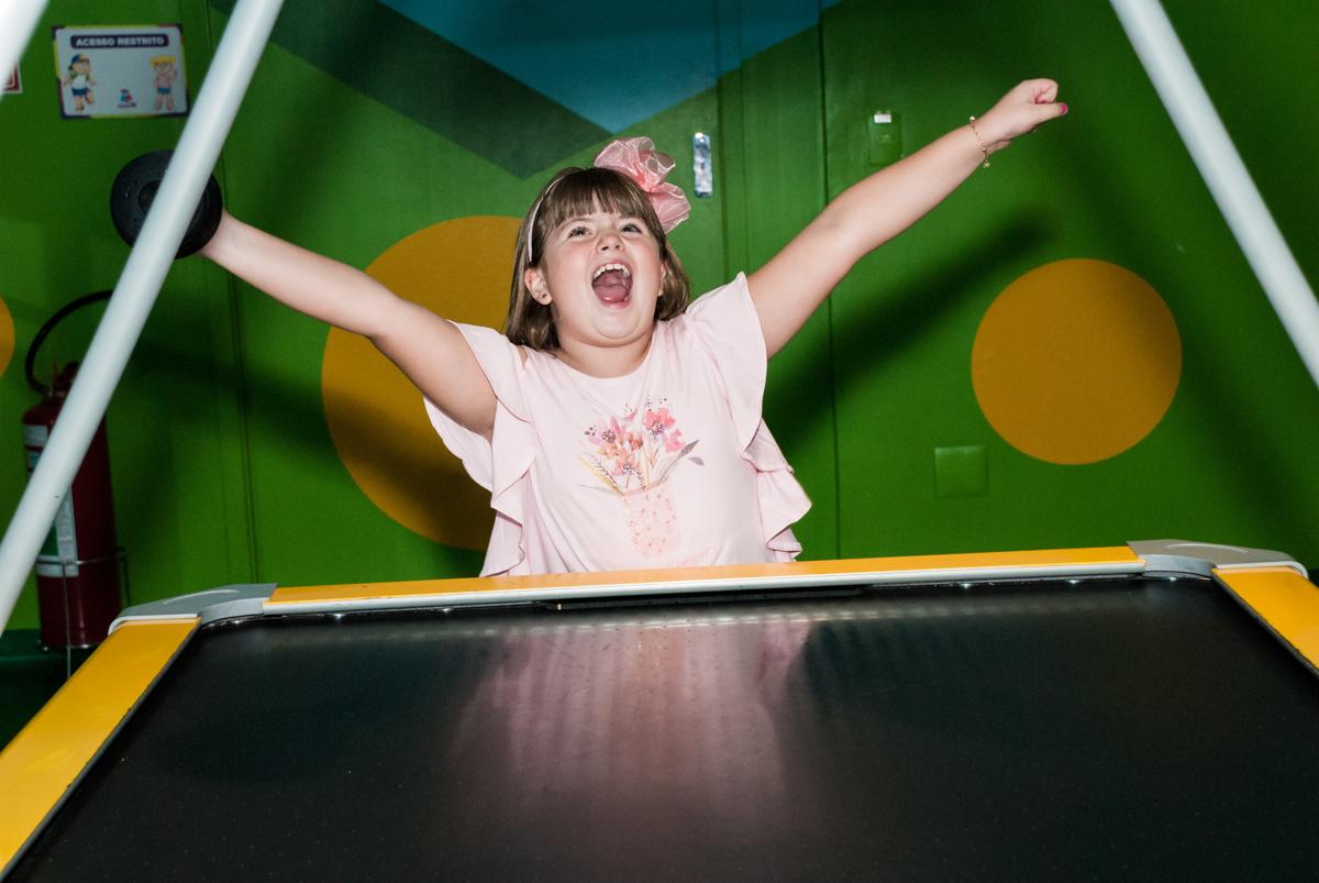 comemorando gol no Buffet Casa X, Vila Leopoldina, aniversário de Sophia 7 anos, tema da festa Descendentes