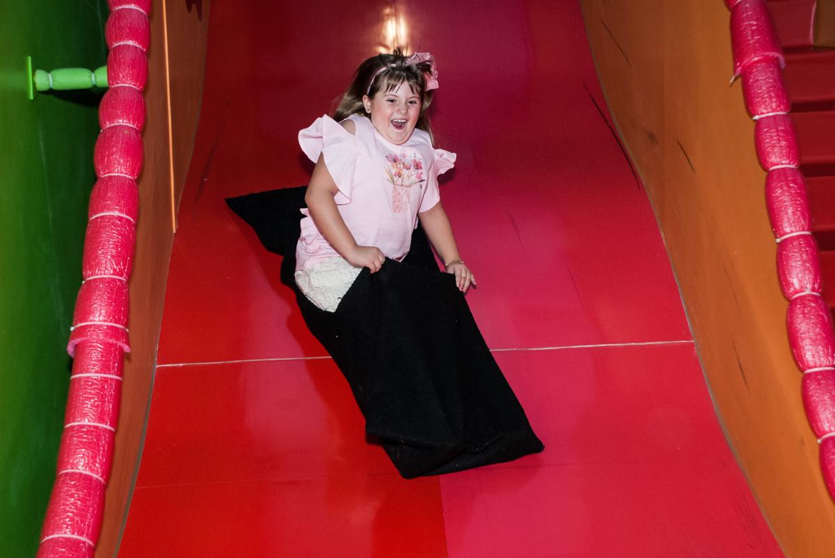 escorregador divertido no Buffet Casa X, Vila Leopoldina, aniversário de Sophia 7 anos, tema da festa Descendentes