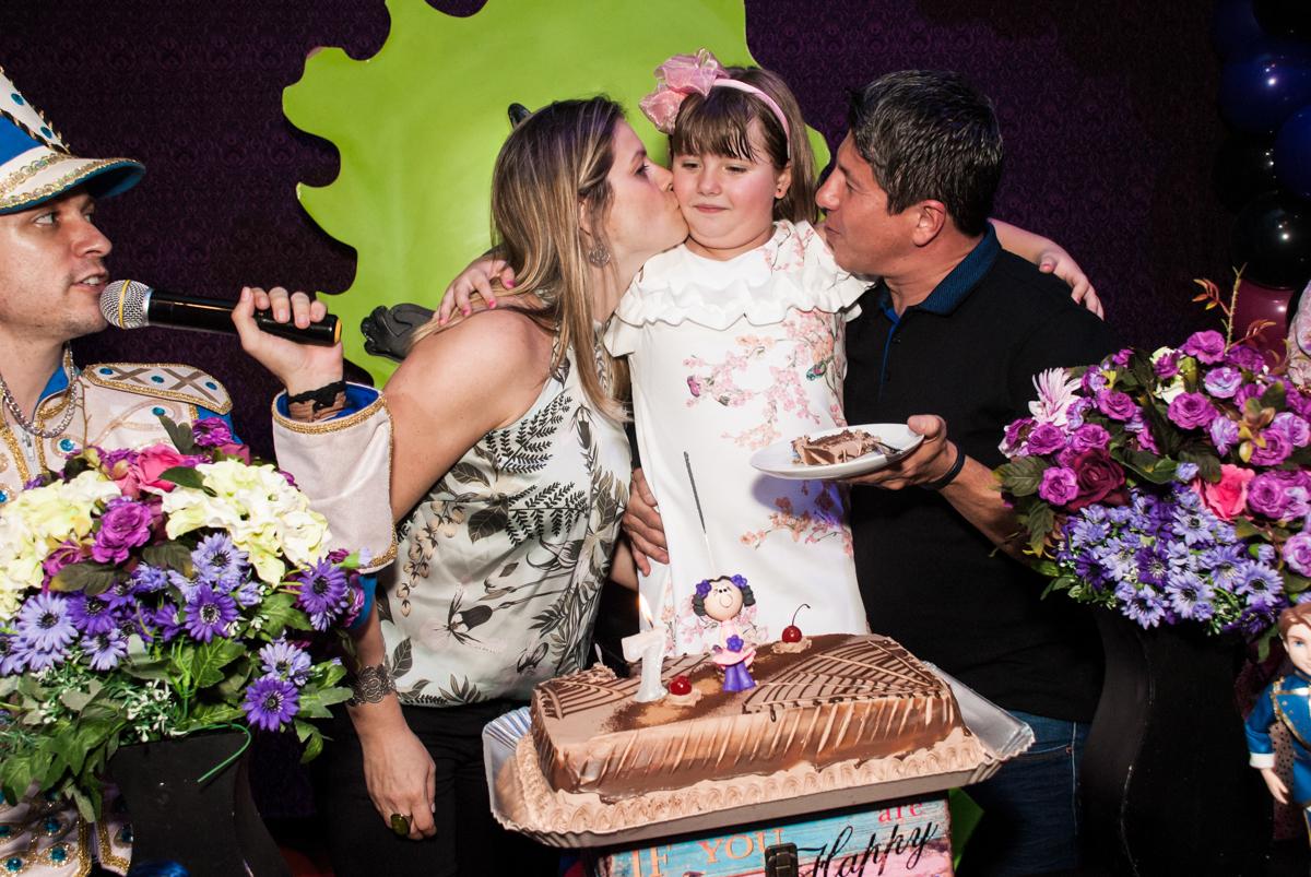 beijo sanduiche no Buffet Casa X, Vila Leopoldina, aniversário de Sophia 7 anos, tema da festa Descendentes