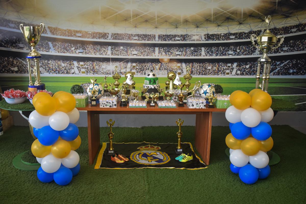 buffet High Soccer aniversario de João Pedro 8 anos, tema da festa Real Madrid