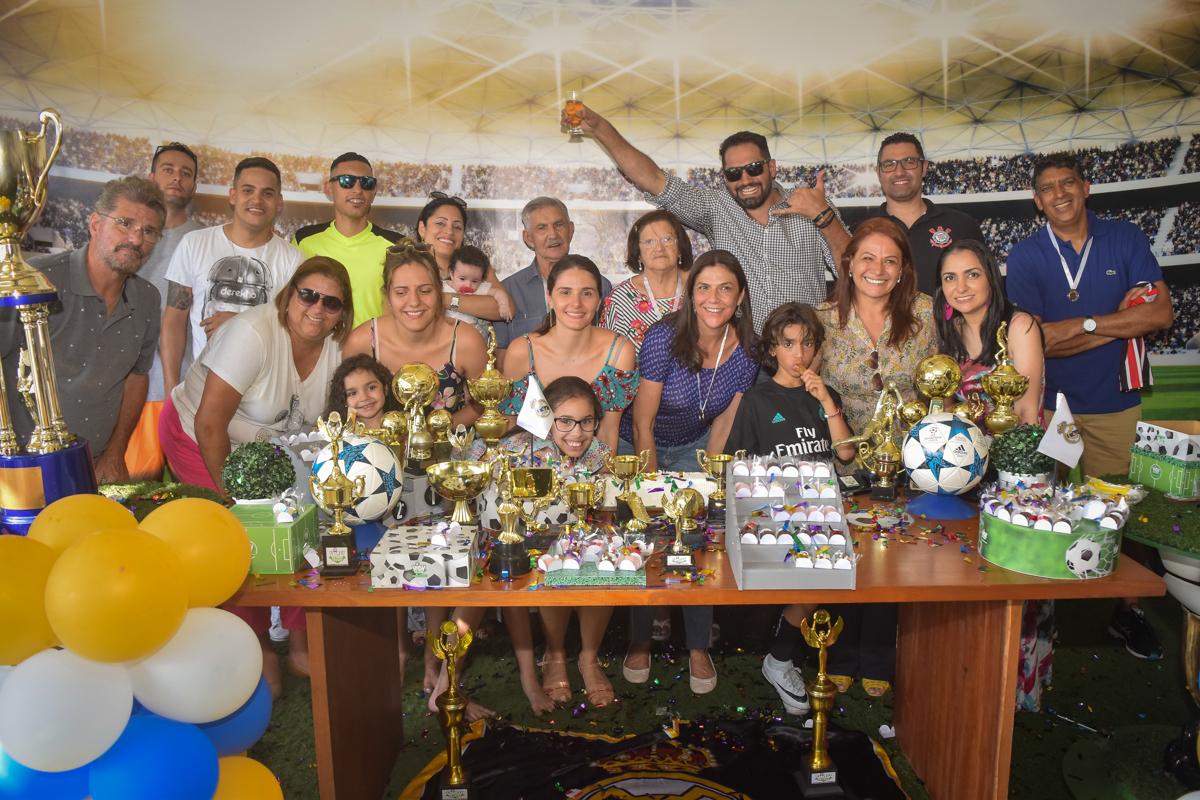 final de festa no buffet High Soccer aniversario de João Pedro 8 anos, tema da festa Real Madrid