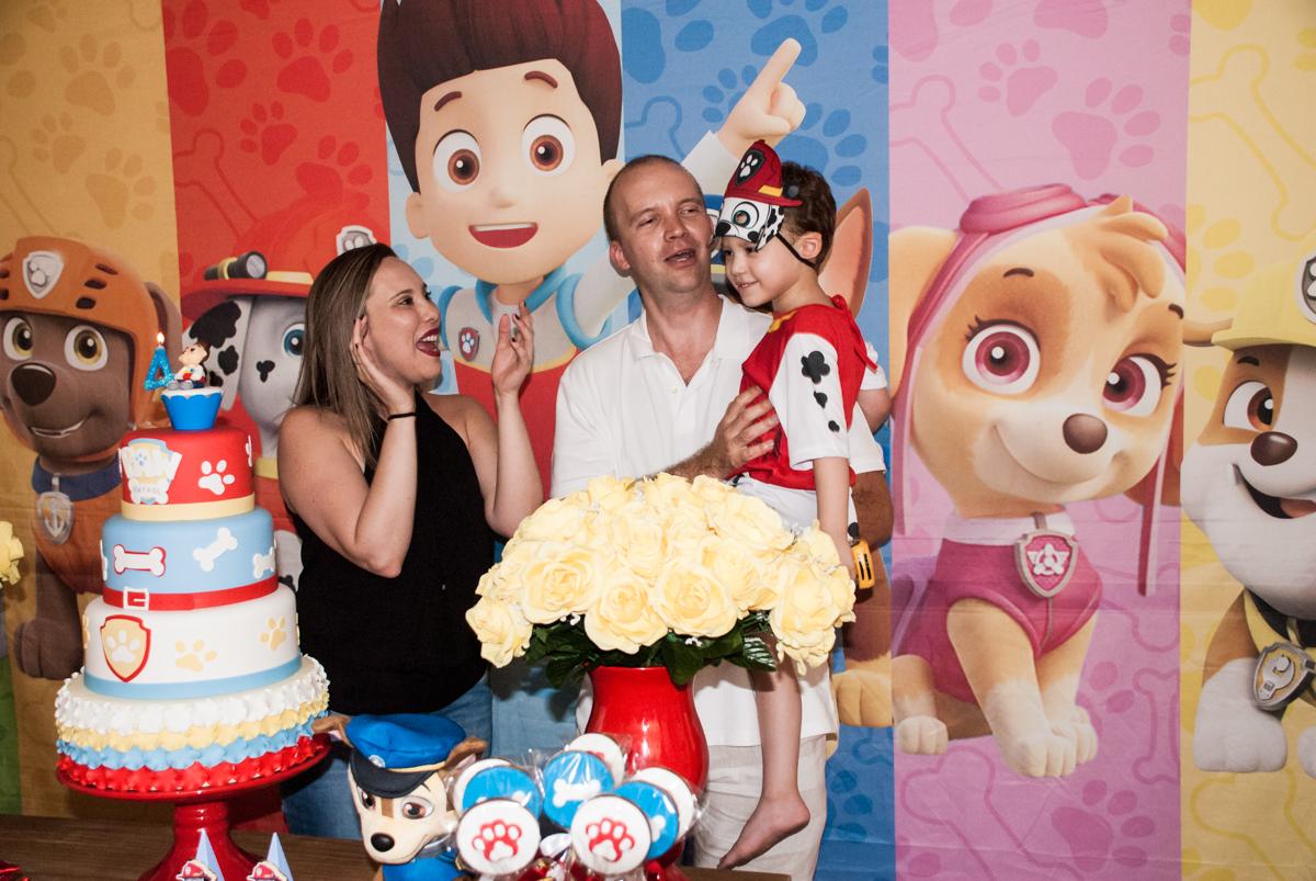 chegou a hora do parabéns no Buffet Fábrica da Alegria, Osasco, aniversário de Arthur 4 anos, tema da festa Patrulha Canina