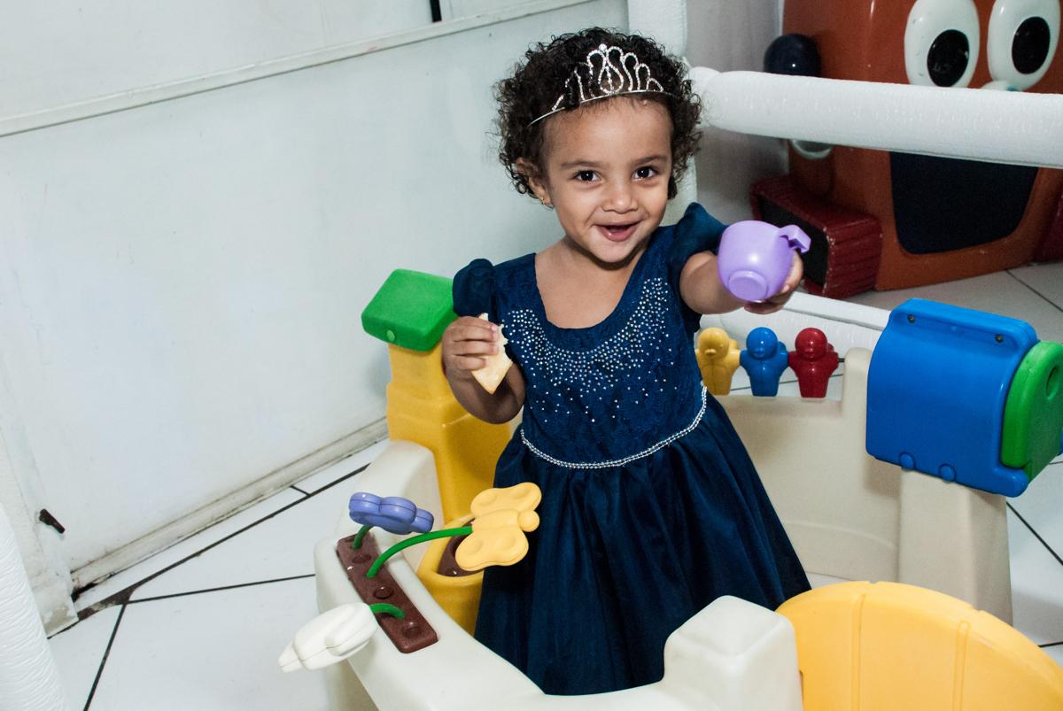 diversão na área baby no Buffet Fábrica da Alegria, Morumbi, São Paulo, aniversário de Mariana 2 anos, tema da festa Branca de Neve