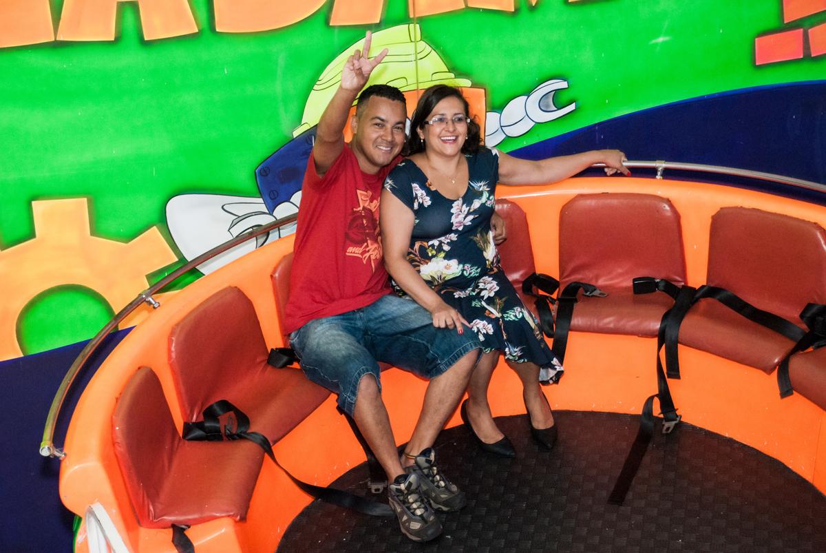 os pais da  curtindo o labamba no Buffet Fábrica da Alegria, Morumbi, São Paulo, aniversário de Mariana 2 anos, , tema da festa Branca de Neve